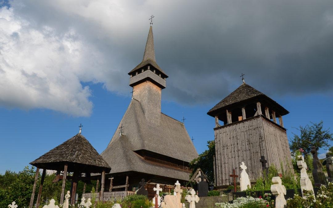"""Biserica de lemn """"Cuvioasa Paraschiva"""" din Botiza"""