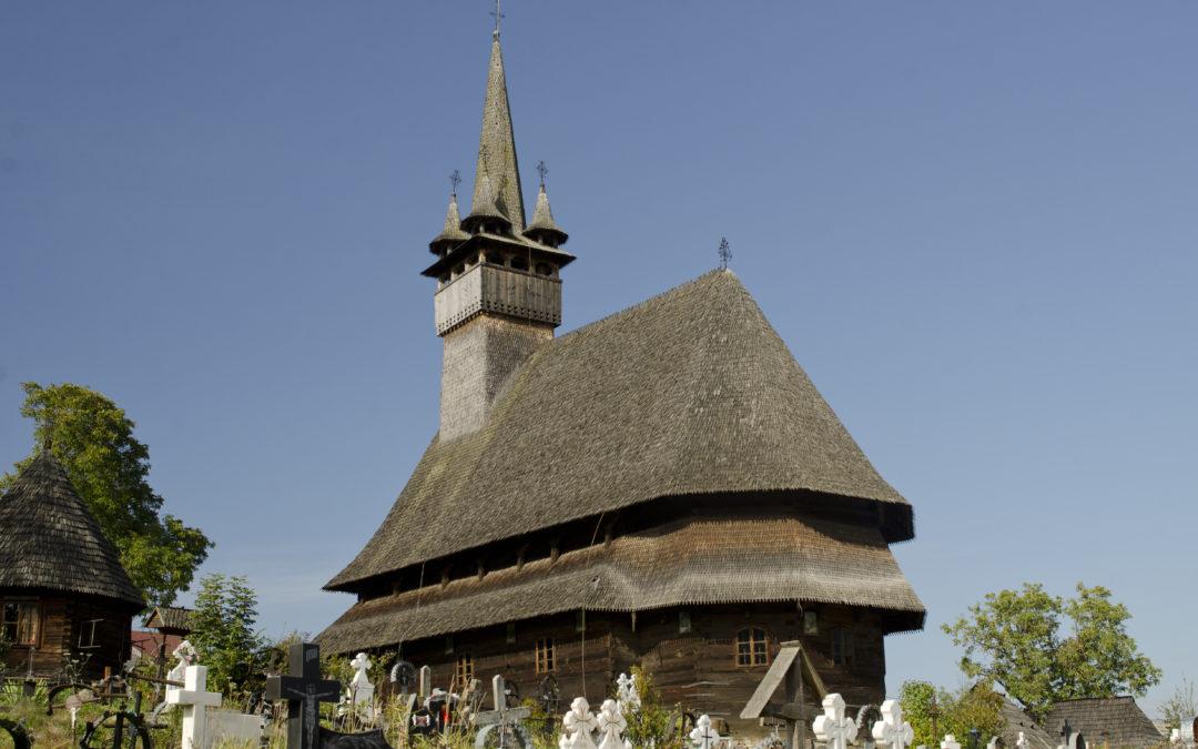"""Biserica de lemn """"Sfântul Nicolae"""" din Budești Josani (monument UNESCO)"""