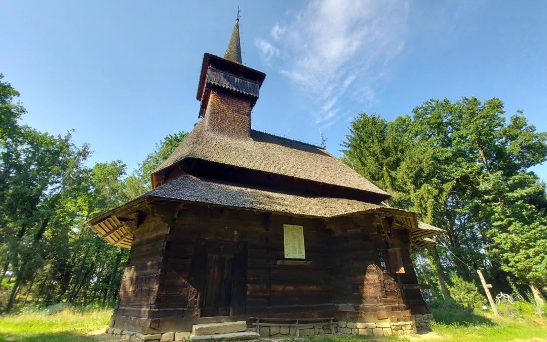"""Biserica de lemn """"Adormirea Maicii Domnului"""" din Călinești Susani"""