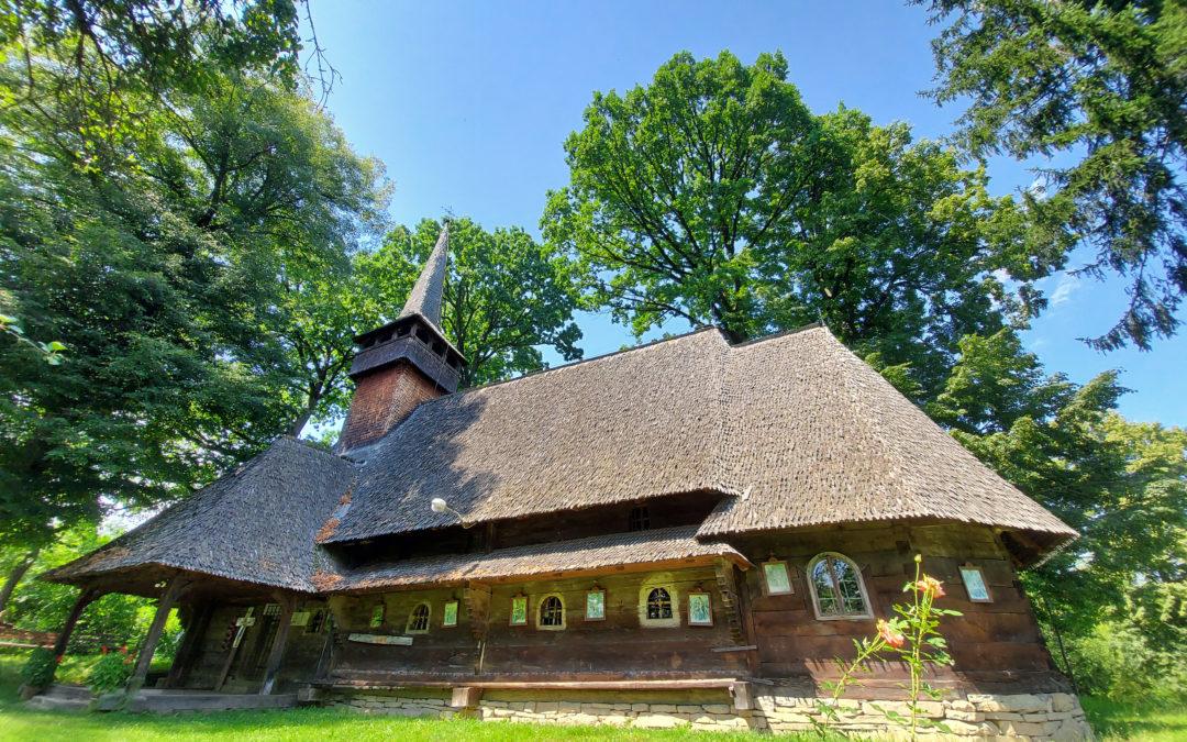 """Biserica de lemn """"Nașterea Maicii Domnului"""" din Hărnicești"""