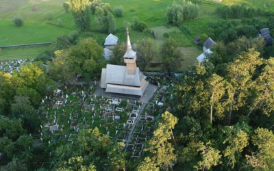 """Biserica de lemn """"Naşterea Maicii Domnului"""" din Ieud Deal (monument UNESCO)"""