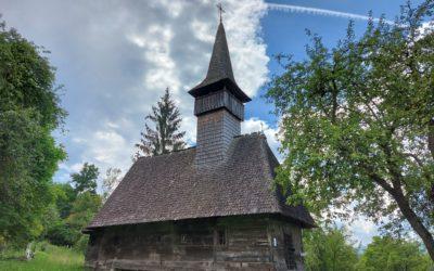 """Biserica de lemn """"Sfinții Arhangheli Mihail și Gavriil"""" din Mănăstirea"""